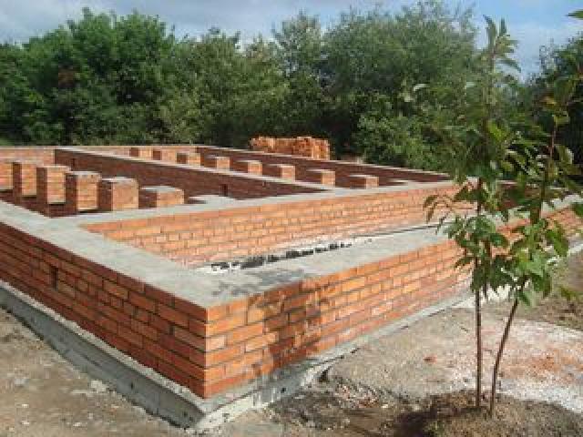 Фундамент для кирпичных домов